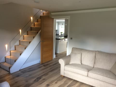 Single room/ensuite in recently refurbished house