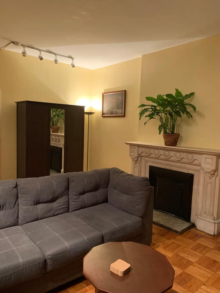 Cozy & Spacious One Bedroom In Heart of Manhattan