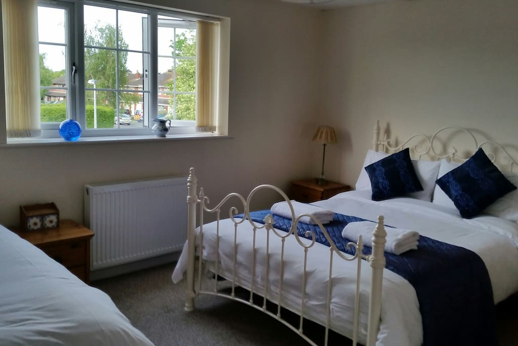 Lovely family / triple bedroom. Comfy beds with fresh white linen.