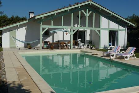 Landes maison 120m2, piscine, 8pers - Léon