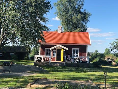 Nowo odrestaurowany domek na wypoczynek w malowniczej okolicy