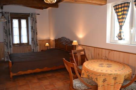 Studio , chambre d'hôte Moulin des Sandaux - Sainte-Foy-la-Grande - Hospedaria