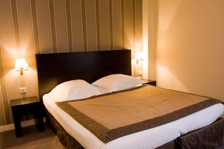 Chambre privée 2 pers Grand Hôtel d'Orléans