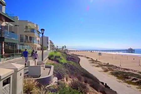 Beach House Steps from the Ocean!! - Manhattan Beach - Casa