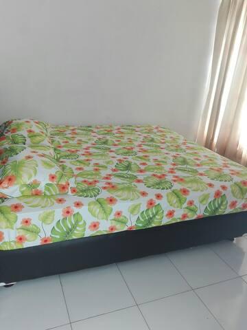 Kamar dengan Ukuran bed 180cm