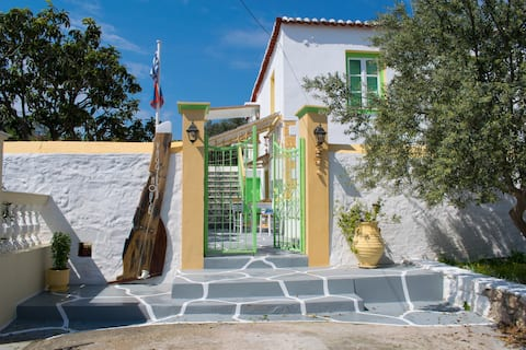 Vaggelis Traditional House
