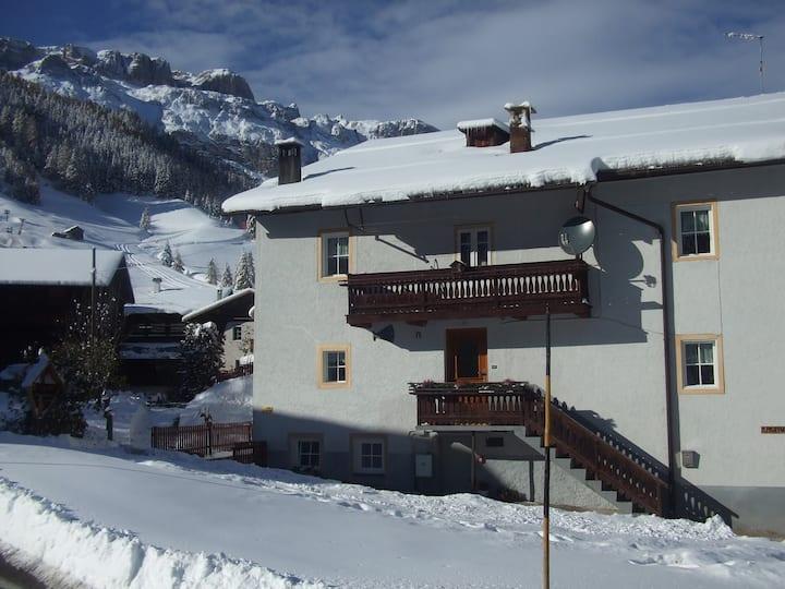 Casa nel cuore delle Dolomiti