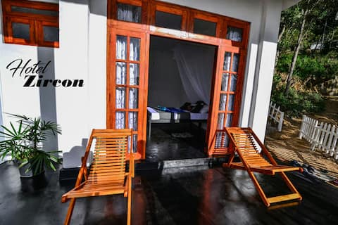 Zircon Ella ,Deluxe triple room,(B&B)