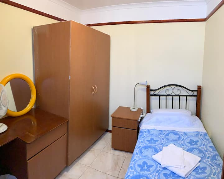 Amazing Value for Convenient Private Bedroom (3)