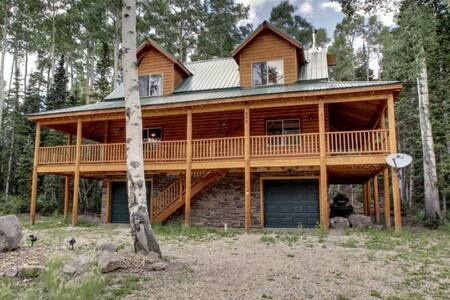 Whispering Pines Lodge-rustic cabin - Brian Head