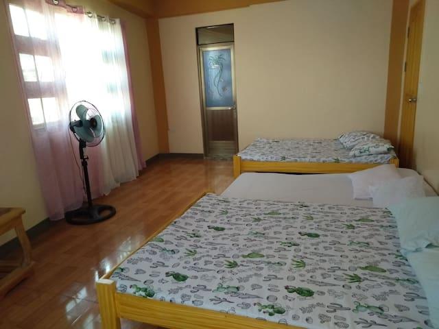 florida's family room good near teachers camp