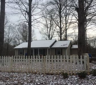 Warm and Cozy Ranch (whole home) - Watkinsville