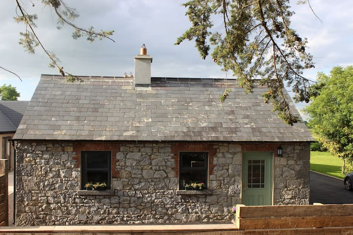 Adare Cottage by the River