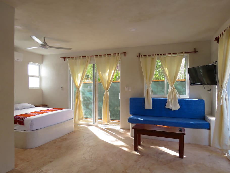 Room with Queen size bed, A/C, TV, fully equiped kitchen.