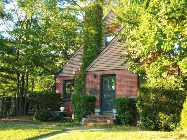 Spacious Tudor Cape Style House Near New York City