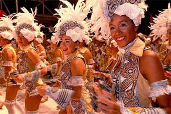 Playas, chamamé y carnaval en Corrientes