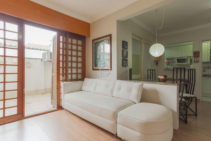 Apartamento completo em bairro nobre - c/ garagem