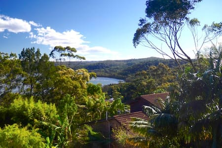 Family house with amazing views in North Narrabeen - North Narrabeen - Casa