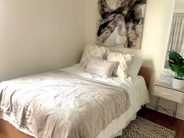 Renovated Private BR w/ spacious living room!