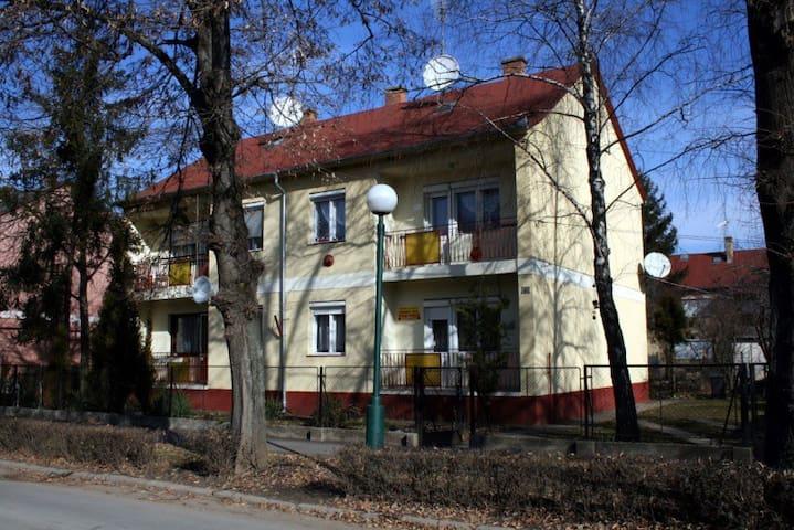 Gyöngyi apartman - Hajdúszoboszló - Apartment