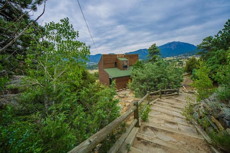 Top Views & Hot Tub Near Rocky Mountain Nat'l Park - Estes Park