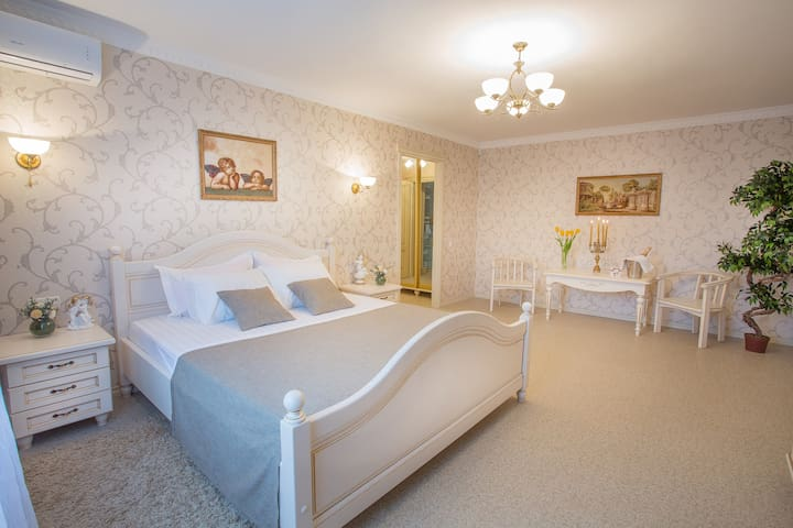 ** Magnificent Suite in Sumy* - Sumy - Daire