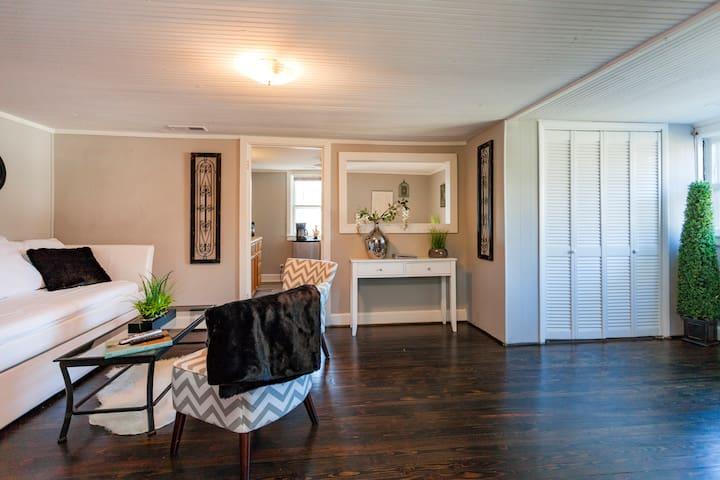 Cozy & Modern HUGE Vacation Suite! - Nashville - Hus