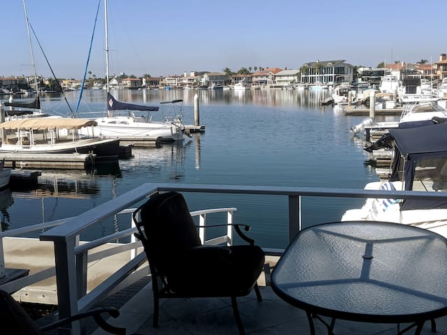Waterfront front condo in Huntington Beach /Harbor