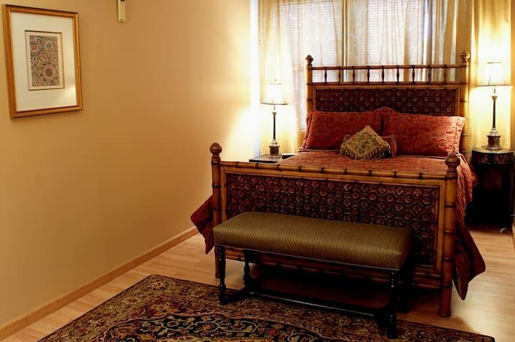 Fountainview Inn - Suite 308