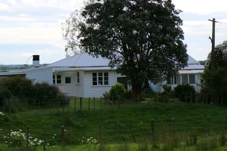 Escape to the Country, Cosy Farmstay Cottage. - Levin - Bed & Breakfast