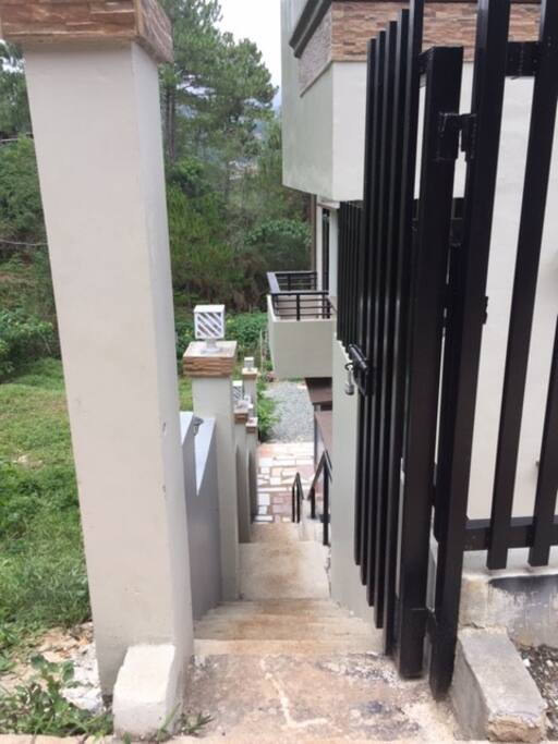 Side view (actual) steps going down for 2 units