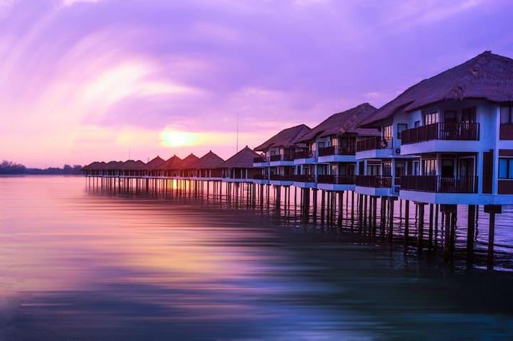 Avani Water Villa for Vacationing Couple - Kuala Lumpur