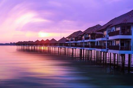 Avani Water Villa for Vacationing Couple - Kuala Lumpur - Villa