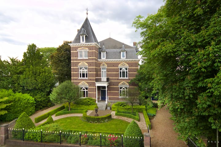 Monumentale 'design' villa dichtbij Maastricht - Eijsden - Villa