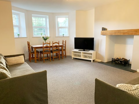Half-penny Apartment, basement,sole entry