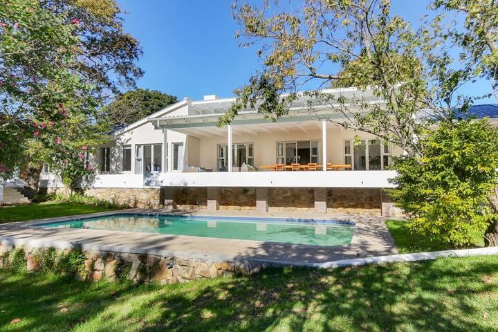 Luxury Fun Family Home In Peaceful Constantia-Glen