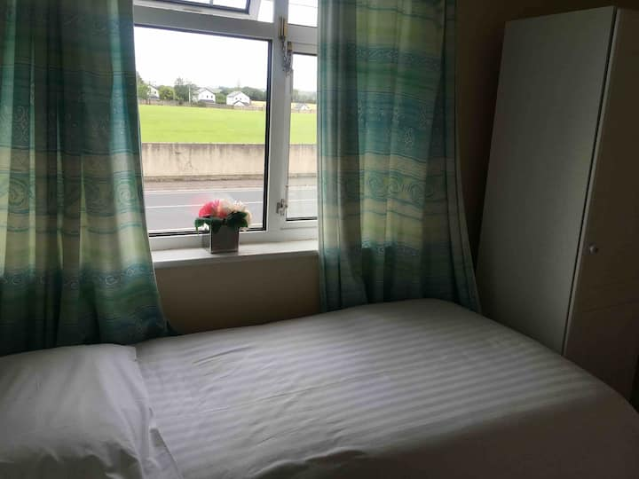 Single room Killarney house