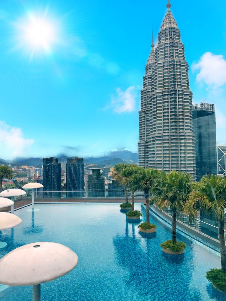 Sky Suites KLCC by Like Home