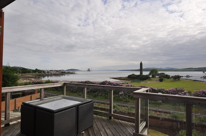 North Ayrshire Villa with full Sea Views