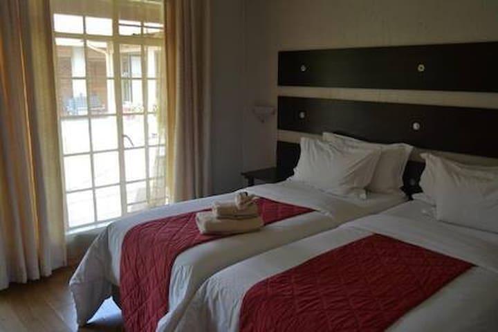 Dara @ Medi Lodge - Twin Room