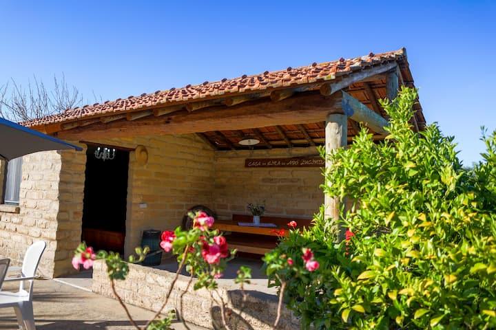 Casa da eira da avó Lucinda