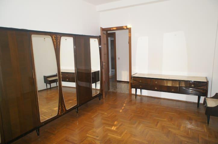 Stanza doppia in zona Loreto - Milán - Apto. en complejo residencial