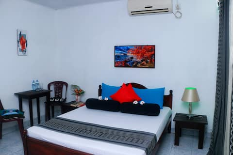 Green Turf Galle City Private Room