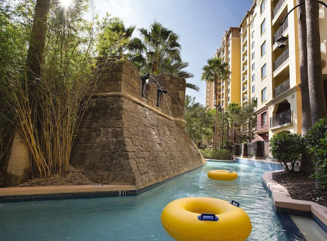 IN THE ❤️ OF DISNEY ★ 1 BEDROOM ★ Pool Access ★