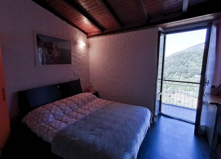 Camera matrimoniale con terrazza vista mare
