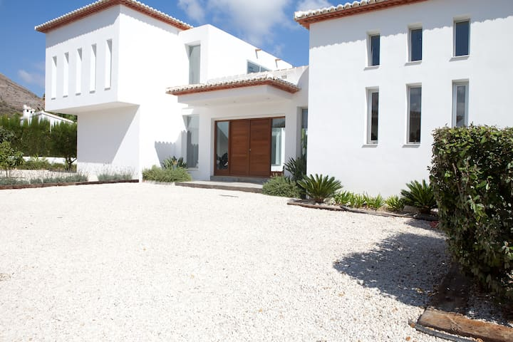 Beautiful Luxury Open Plan Ibizian Style Villa - Javea - Huvila