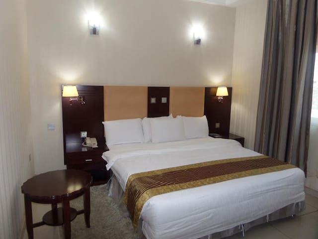 Barcelona Hotel-Superior Room