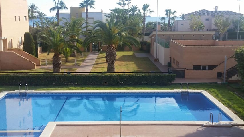 Duplex luminoso y exclusivo junto a la playa