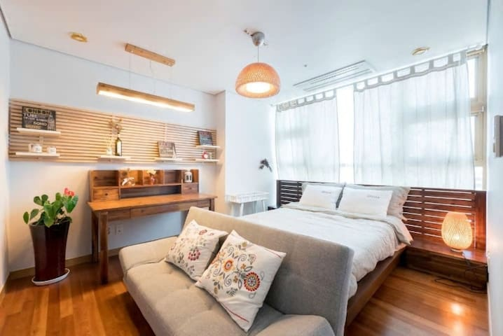 """""""STAY_JLD"""" 2 bedroom Luxury Suite at Seoul Station"""