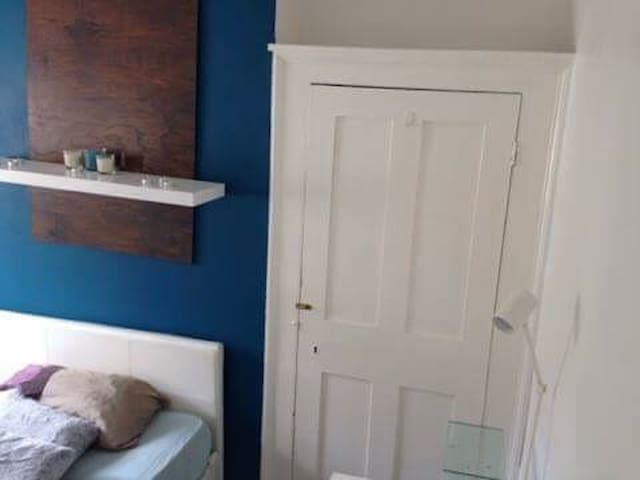 Central Arty Georgian double room - Southampton